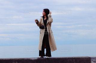 携帯電話で話している人の写真・画像素材[2265157]