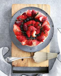 まな板に果実のボウルの写真・画像素材[3199239]