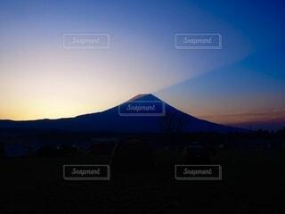 風景,空,富士山,屋外,朝日,雲,山,景色,正月,キャンプ,朝,お正月,テント,日の出,高原,富士,新年,初日の出