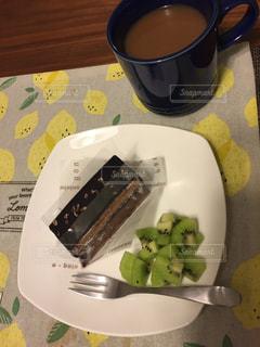 スイーツ,ケーキ,フルーツ,ティータイム,キウイ,紅茶,ダイエット,チョコケーキ,ショコラ