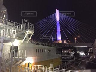 橋のライトアップの写真・画像素材[1681014]