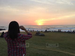 日本海の日没の写真・画像素材[2286525]