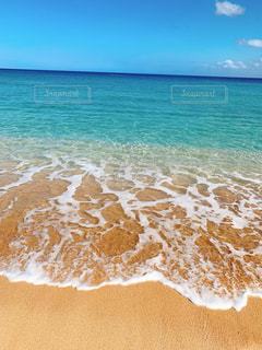 海に隣接する砂浜の写真・画像素材[2337402]