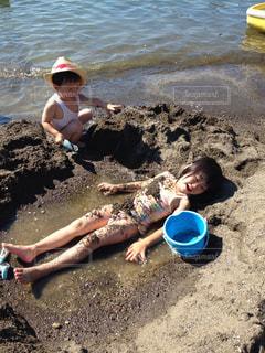 砂浜,子供,ツーショット,砂湯