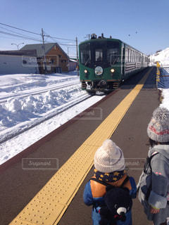 冬,電車,景色,子供,ツーショット