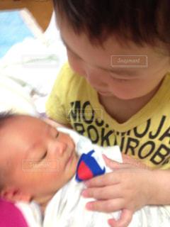 赤ちゃん,抱っこ,新生児,兄弟,なかよし,お兄ちゃん,ツーショット