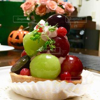 皿の上の食べ物の写真・画像素材[807891]