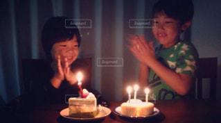 子ども,ケーキ,誕生日,男の子,兄弟,拍手,ロウソク