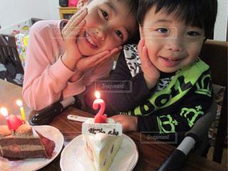 子ども,ケーキ,誕生日,男の子,2歳,兄弟,ロウソク