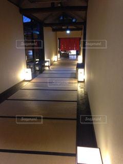 温泉へ続く廊下の写真・画像素材[751886]