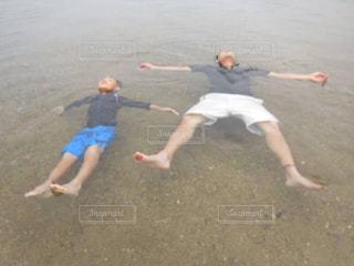 男性,子ども,海,親子,水着,泳ぐ,男の子,父,お父さん