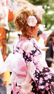 ウェディング ドレスを着ている人の写真・画像素材[1028683]