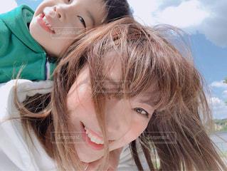 近くの女性のアップの写真・画像素材[1170742]
