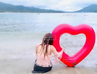 水域の少女の写真・画像素材[2294630]