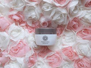 花,ピンク,クリーム,可愛い,化粧品,日の丸構図,オールインワンジェル,パーフェクトワン,perfectone