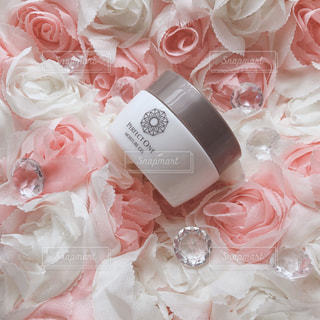 花,ピンク,クリーム,キラキラ,可愛い,化粧品,きらきら,オールインワンジェル,パーフェクトワン,perfectone