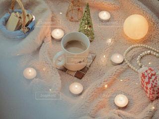 テーブルの上のコーヒー1杯の写真・画像素材[2843393]