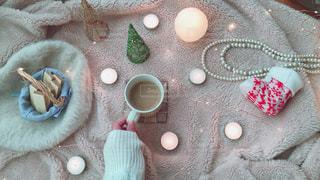 テーブルの上のコーヒー1杯の写真・画像素材[2843464]