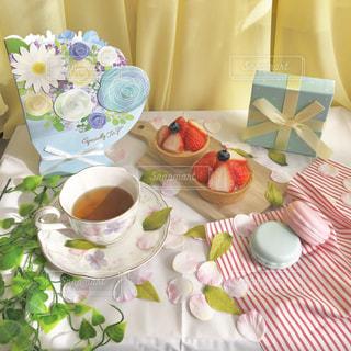 テーブルの上でコーヒーを一杯の写真・画像素材[2899168]