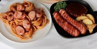 食べ物,食事,屋内,皿,パスタ,ウインナー,料理,おいしい,ハンバーグ,ソーセージ,ナポリタン,ポテト,ジョンソンヴィル