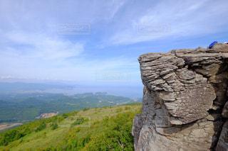 岩が多い山のビューの写真・画像素材[1408404]