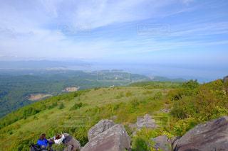 岩が多い山のビューの写真・画像素材[1410106]
