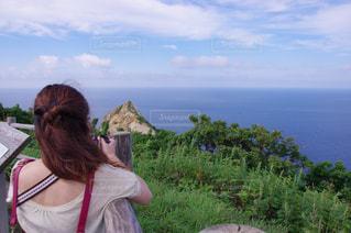 女性,30代,風景,空,屋外,後ろ姿,北海道,人物,積丹半島