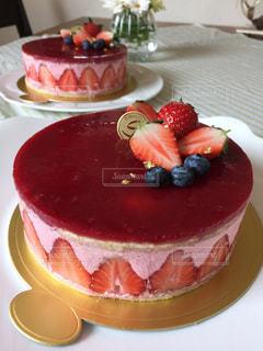 ケーキ,ピンク,洋菓子,ブルーベリー,甘い,手作り,ホールケーキ,イチゴケーキ,フレジエ