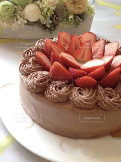 ケーキ,洋菓子,甘い,手作り,ホールケーキ,チョコケーキ,イチゴ