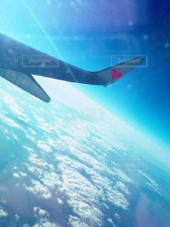 空を飛んでいる飛行機 - No.771780