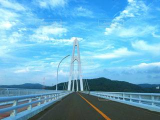 水の体の上の橋 - No.771968