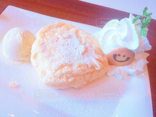皿にデザート - No.801653