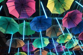 カラフルな傘 - No.895903