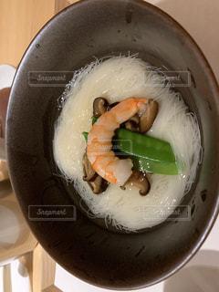 食べ物,食事,黒,野菜,そうめん,料理,日本食,麺,和,エビ,魚介類,食,椎茸,素麺,絹さや,黒い器,三輪素麺