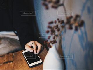 風景,屋内,人物,人,コンピューター,おしゃれ,フォトジェニック,おしゃれカフェ,ノート パソコン