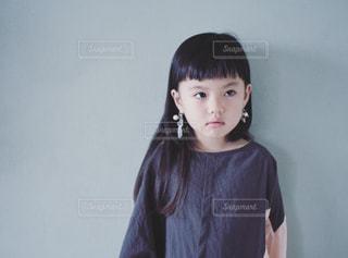 イヤリングと女の子の写真・画像素材[3131575]