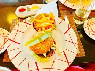 食事,ハンバーガー,シンガポール,food,マリーナベイサンズ,lunch,yum,Singapore,シンガポール料理,海外旅行時に食べた美味しい料理やおしゃれなレストランの写真,Db bistro Moderne,marina bay sands,三つ星シェフ,ヤンキーバーガー