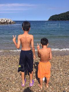 海,夏,海水浴,屋外,後ろ姿,砂浜,男子,子供,人物,背中,男の子