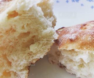 パン,しっとり,おいしい,ホワイトチョコ入り,コンビニパン