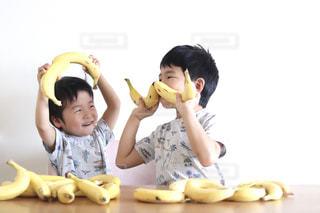 子ども,食べ物,人,赤ちゃん,幼児,少年,バナナ