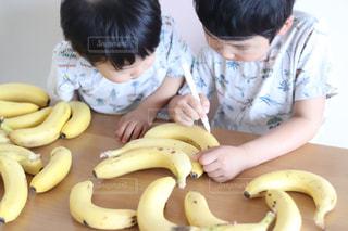 家族,食べ物,おやつ,赤ちゃん,幼児,手作り,少年,兄弟,おえかき,バナナ,おうち時間,バナペン