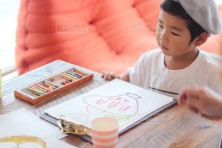 屋内,ペン,教室,幼児,男の子,5歳,紙,ワークショップ,おえかき,習い事,おうち時間