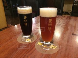 テーブル,グラス,ビール,乾杯,ドリンク,愛媛