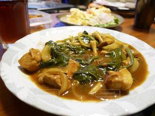 肉と野菜をトッピング白プレート - No.795804