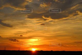空,夏,夕日,雲,綺麗,夕焼け,景色,オレンジ,日本,夕陽