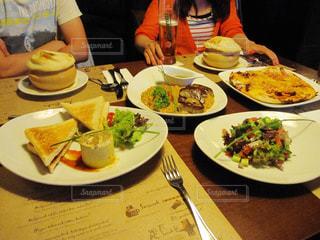 ディナー,ヨーロッパ,女子旅,ハンガリー,ブダペスト,おしゃれ,vakvarjú