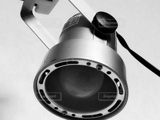 黒のヘッドフォンのペアの写真・画像素材[815649]