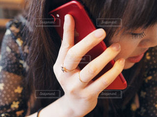 近くの女性のアップの写真・画像素材[733268]