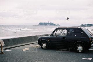 七里ヶ浜にドライブの写真・画像素材[2477587]