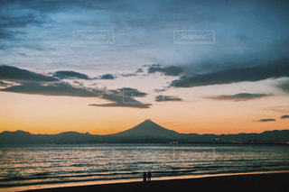 鵠沼海岸から見た富士山の写真・画像素材[3010887]